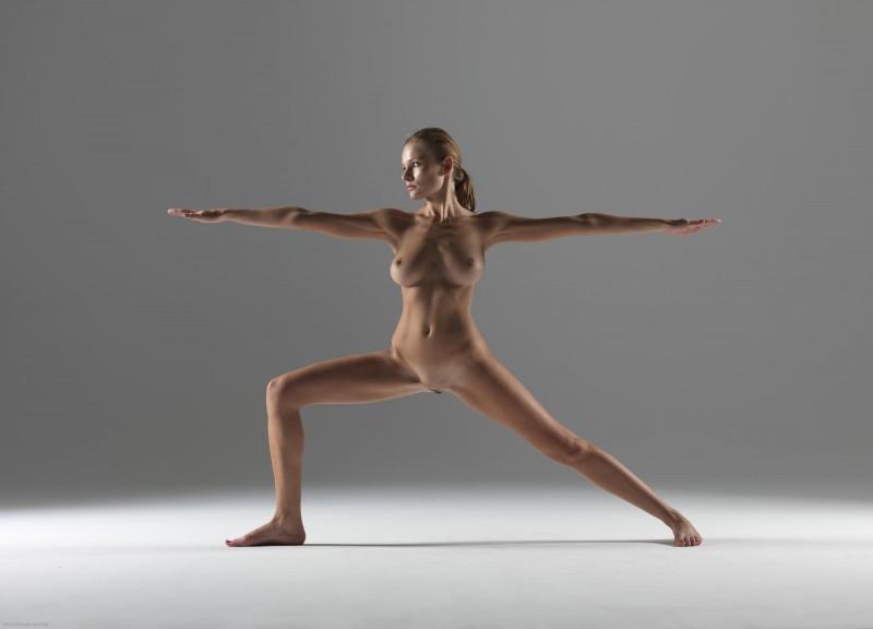 luba-shumeyko-nude-yoga-hegre-art-02