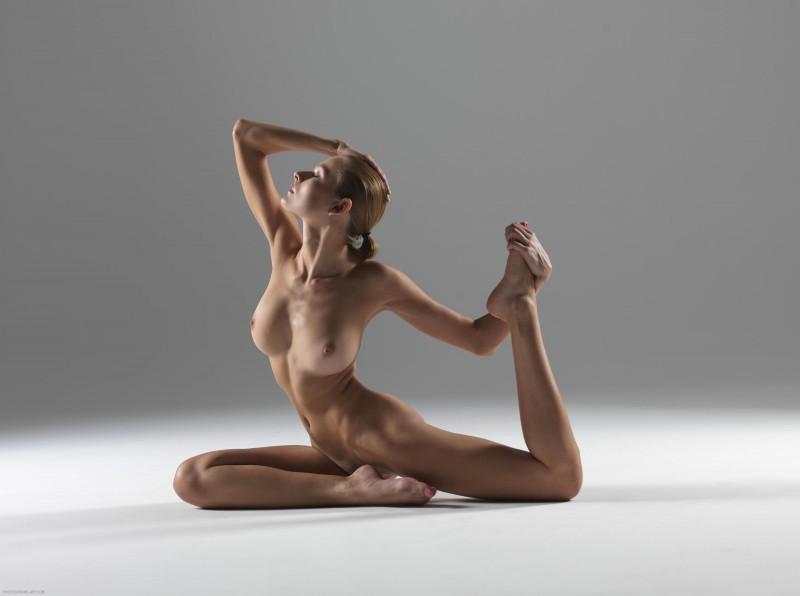 luba-shumeyko-nude-yoga-hegre-art-13