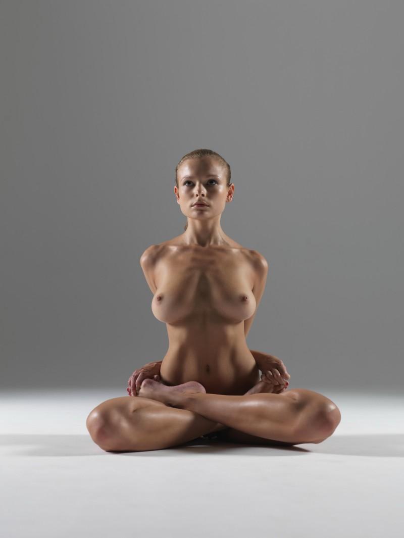 luba-shumeyko-nude-yoga-hegre-art-16