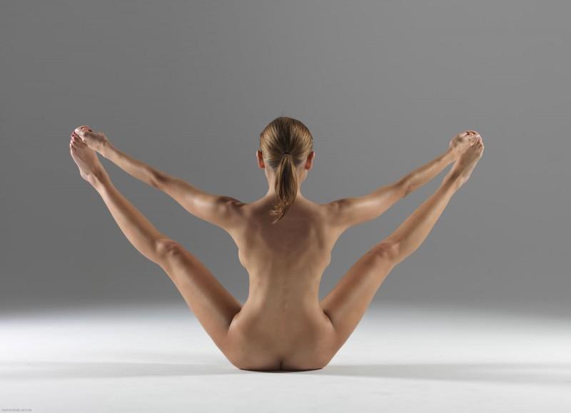 luba-shumeyko-nude-yoga-hegre-art-18