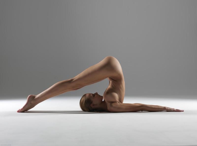 luba-shumeyko-nude-yoga-hegre-art-25
