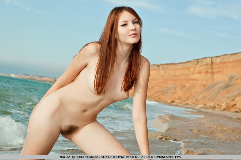 sea side naked girl