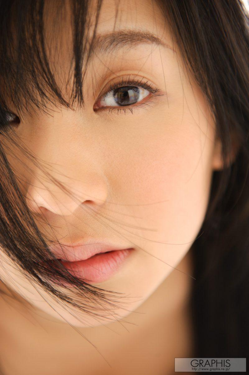 nana-ogura-sunny-day-naked-graphis-31