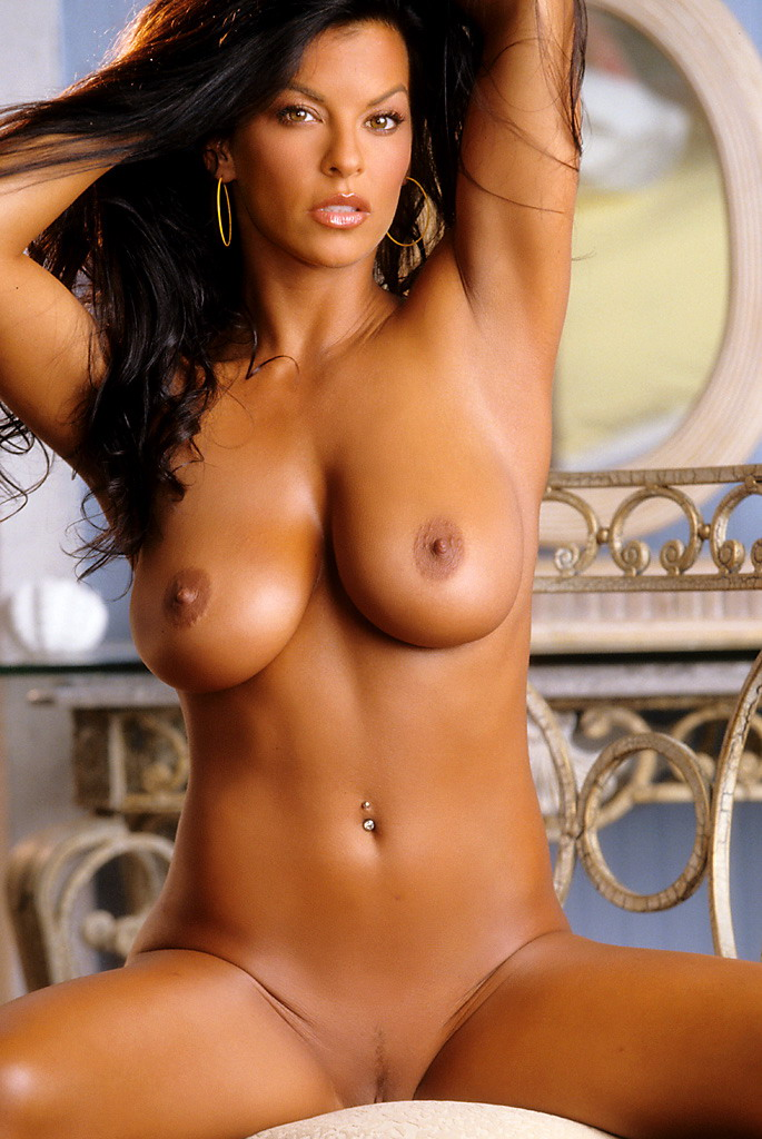 nancy-erminia-brunette-playboy-15