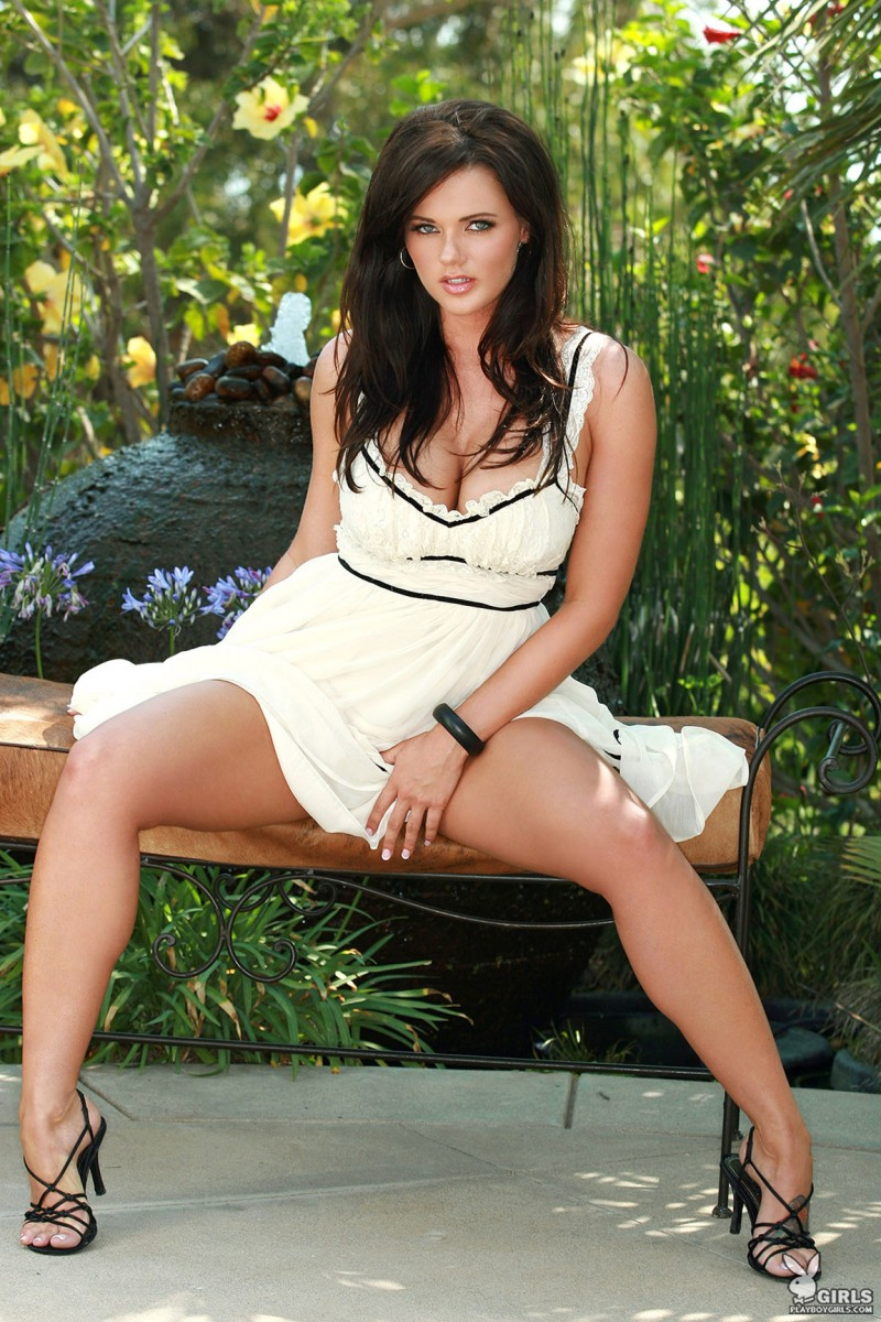 nancy-patton-garden-playboy-04