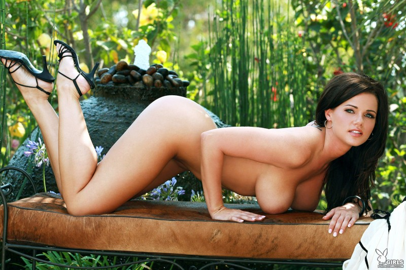 nancy-patton-garden-playboy-11