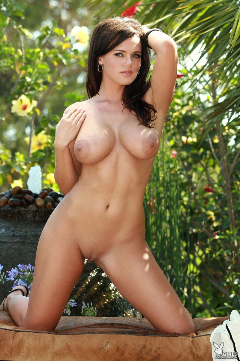 nancy-patton-garden-playboy-14