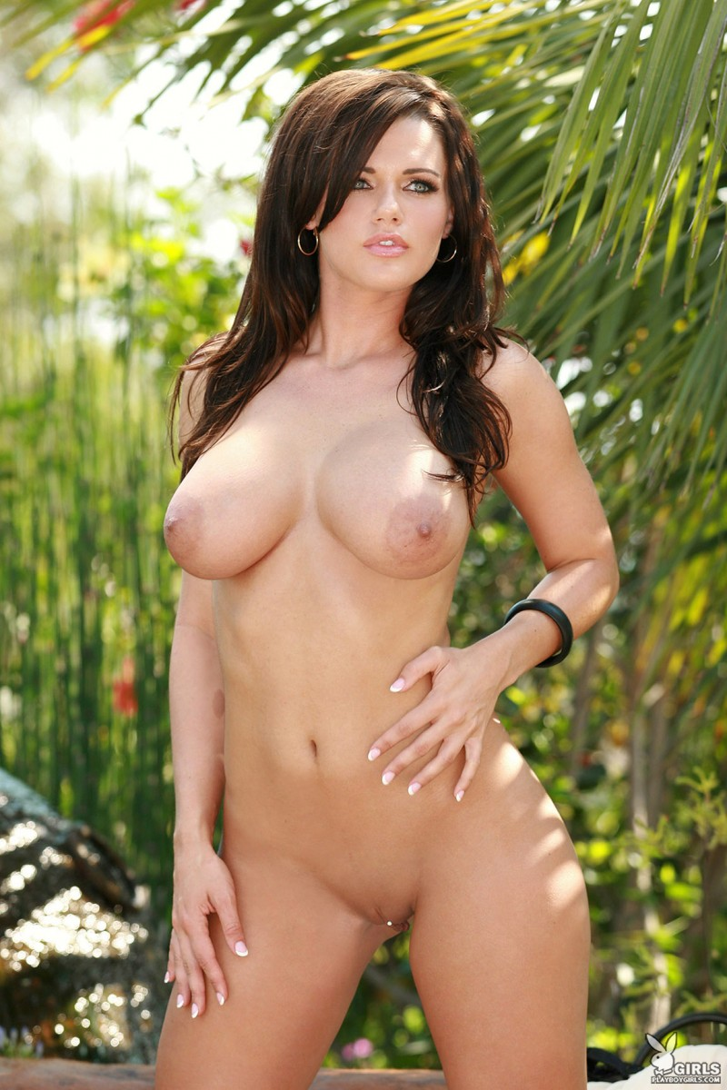 nancy-patton-garden-playboy-19