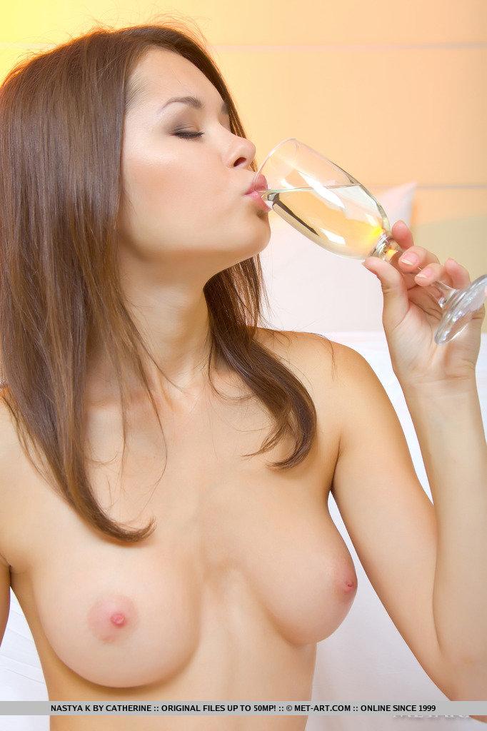 nastya-k-champagne-met-art-03
