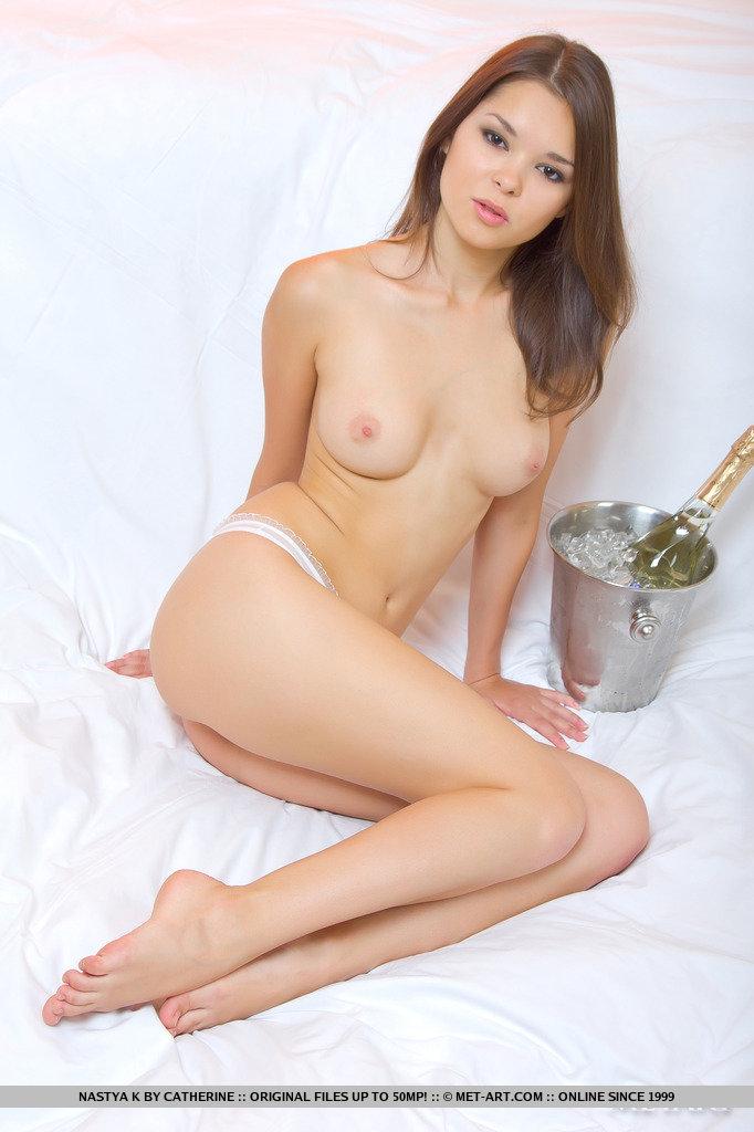 nastya-k-champagne-met-art-04