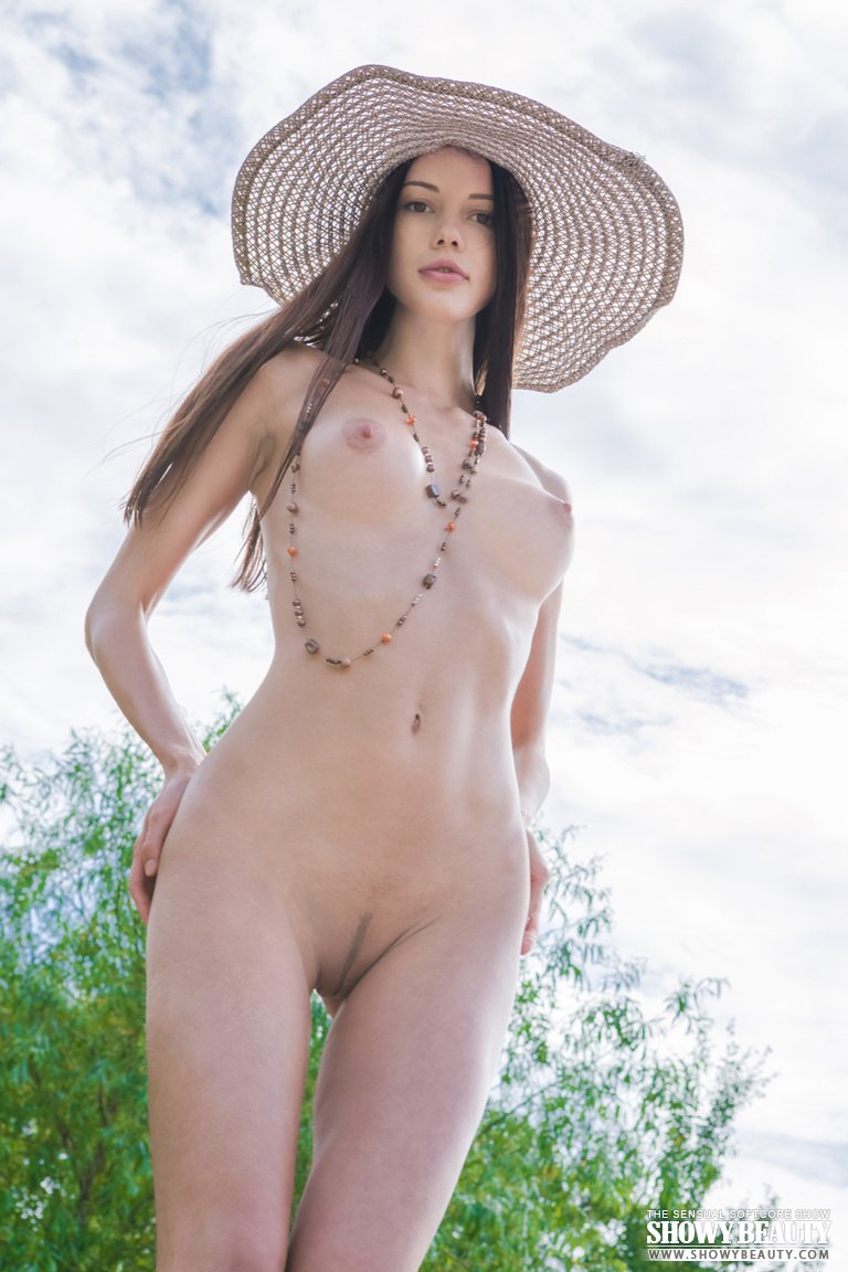 natali-hat-showybeauty-05
