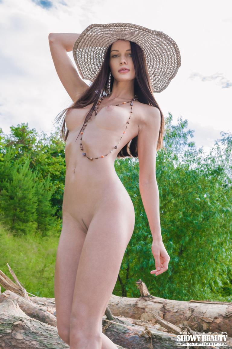 natali-hat-showybeauty-06