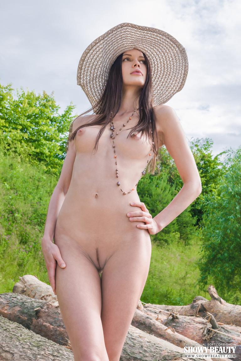 natali-hat-showybeauty-08