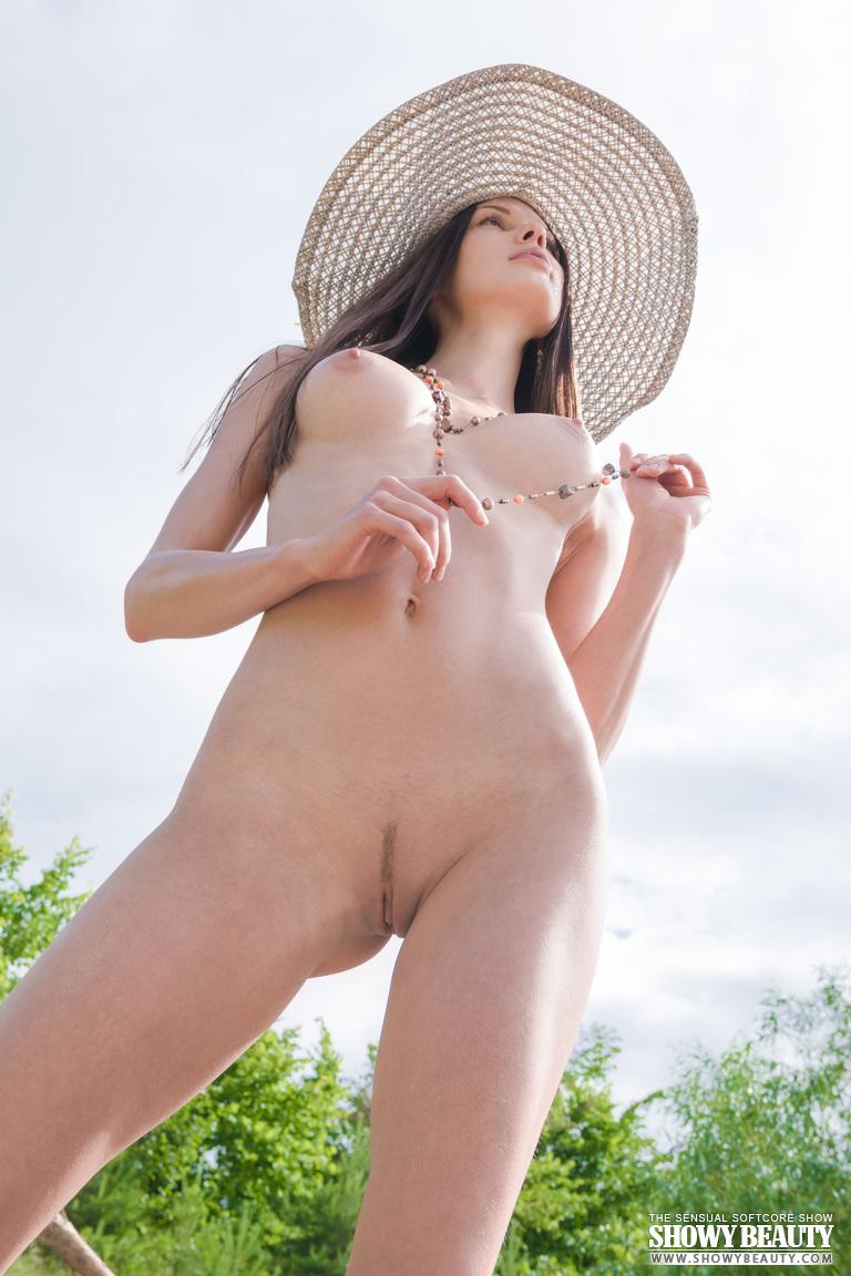 natali-hat-showybeauty-09