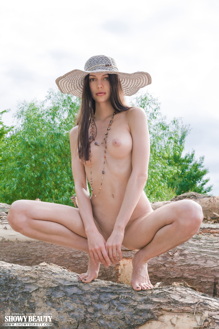 natali-hat-showybeauty-10