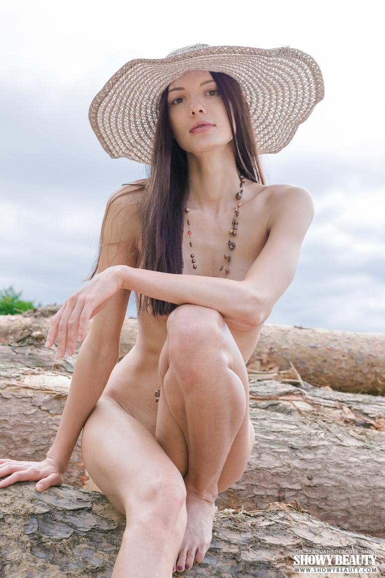 natali-hat-showybeauty-13