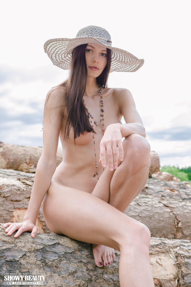 natali-hat-showybeauty-14