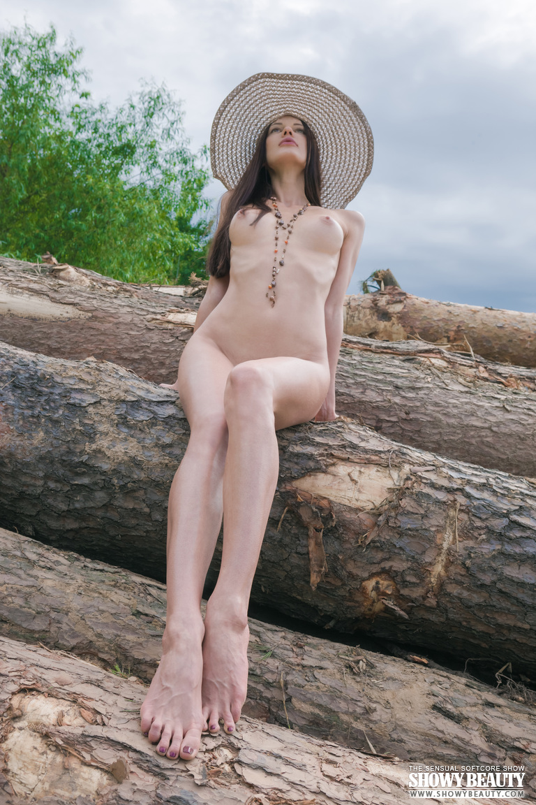 natali-hat-showybeauty-16