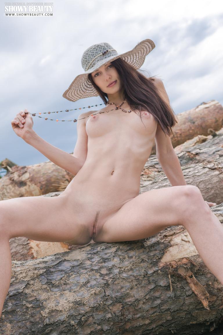 natali-hat-showybeauty-18