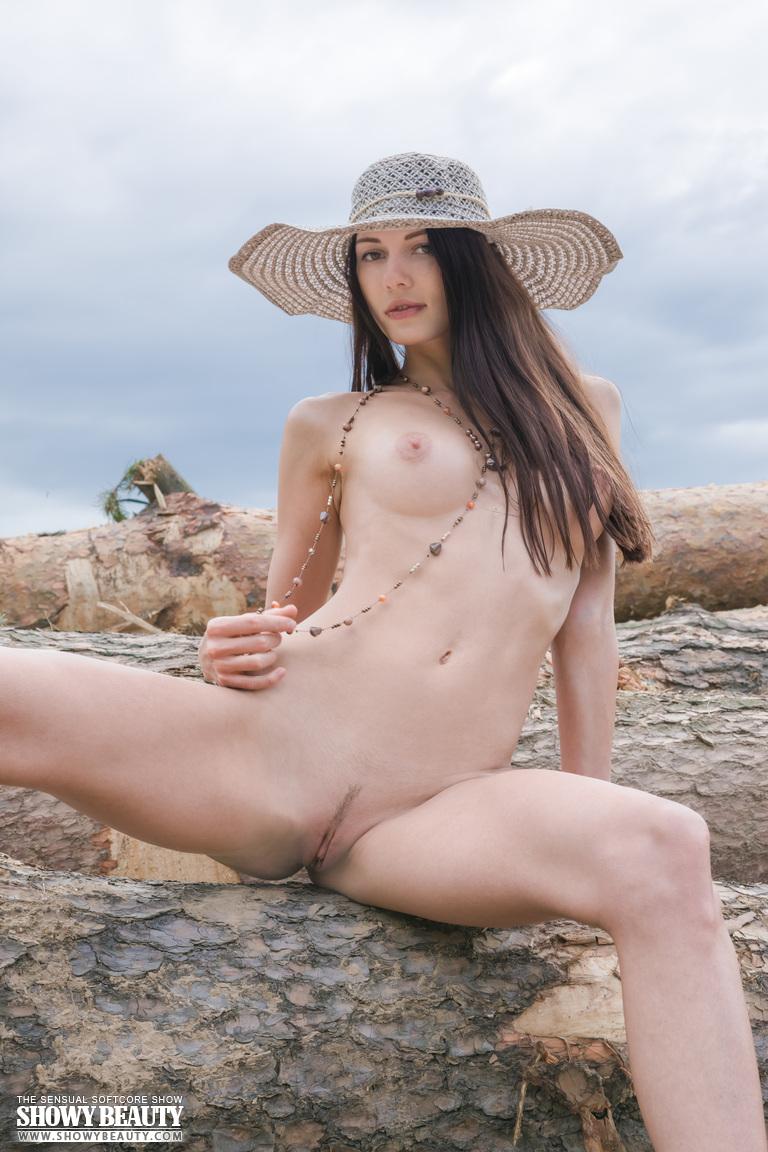 natali-hat-showybeauty-20
