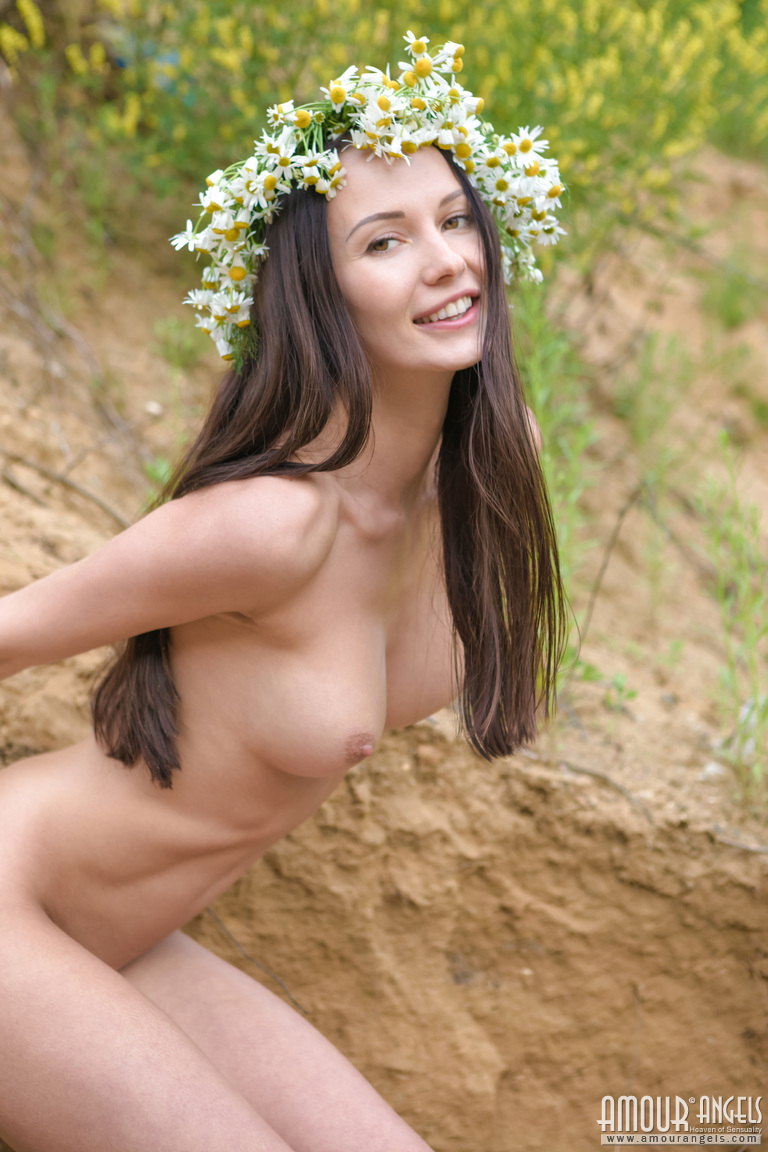 natali-nude-wreath-skinny-amour-angels-07