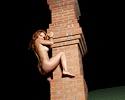 natalia-a-night-roof-met-art
