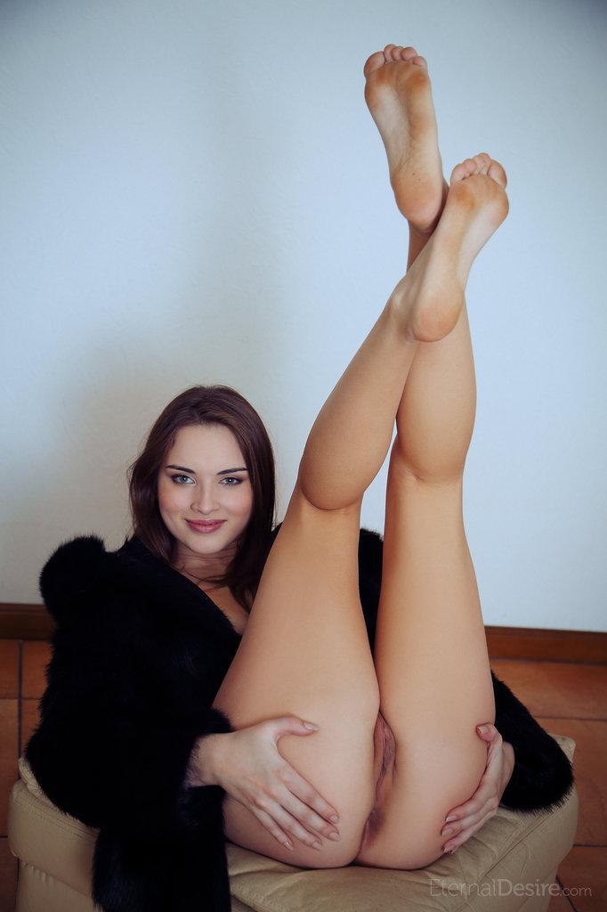 natalie-b-fur-nude-eternal-desire-11