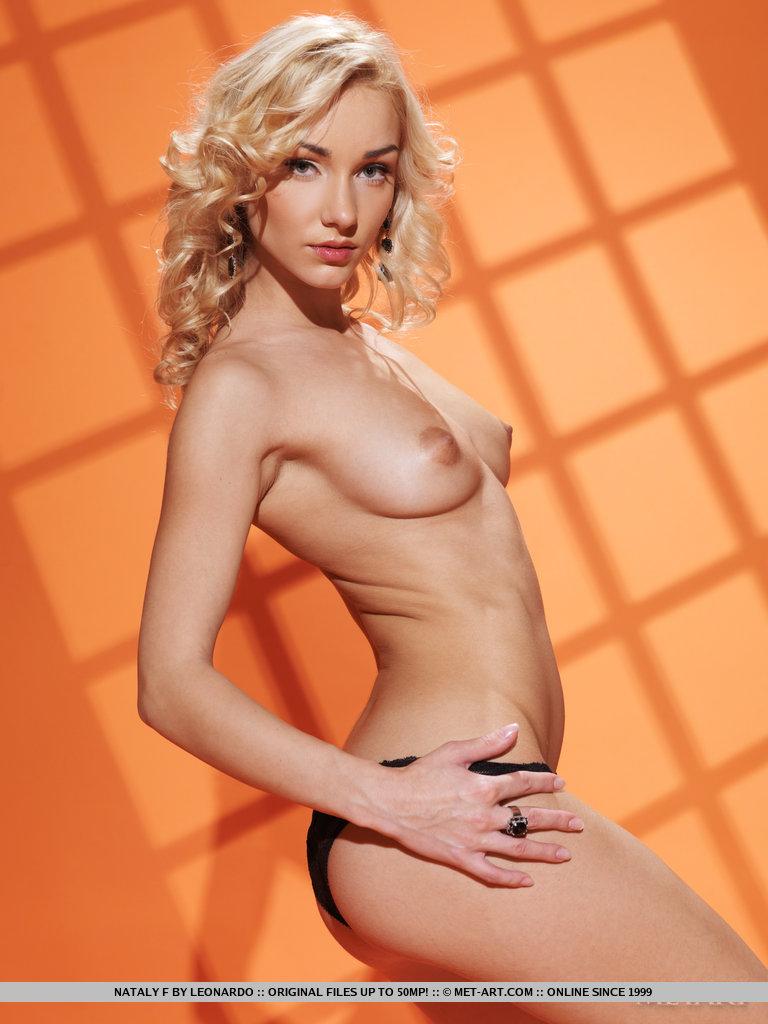 nataly-f-black-lingerie-nude-metart-07