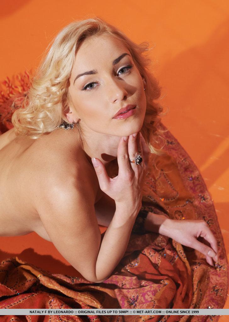 nataly-f-black-lingerie-nude-metart-16