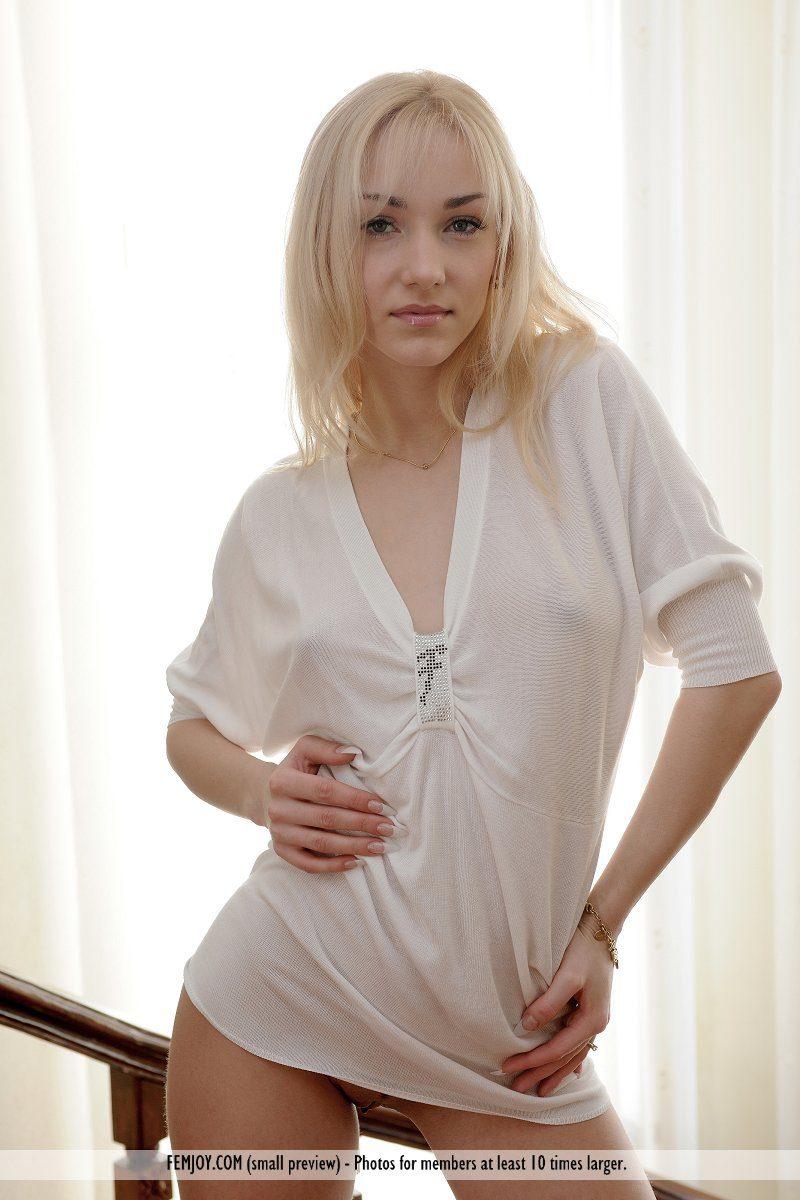 natalia-d-stairs-blonde-nude-femjoy-01