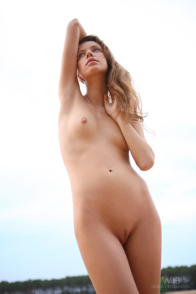 natasha-beach-lake-watch4beauty-15