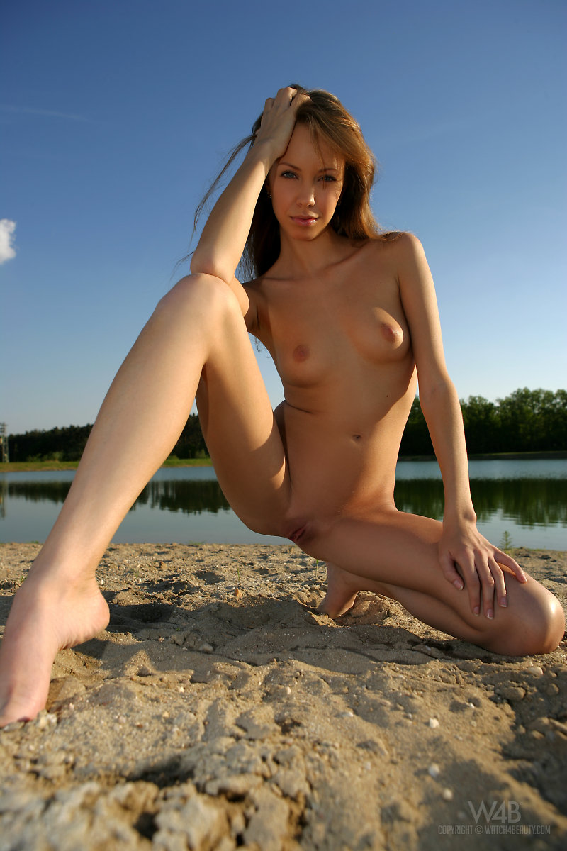 natasha-lake-watch4beauty-01