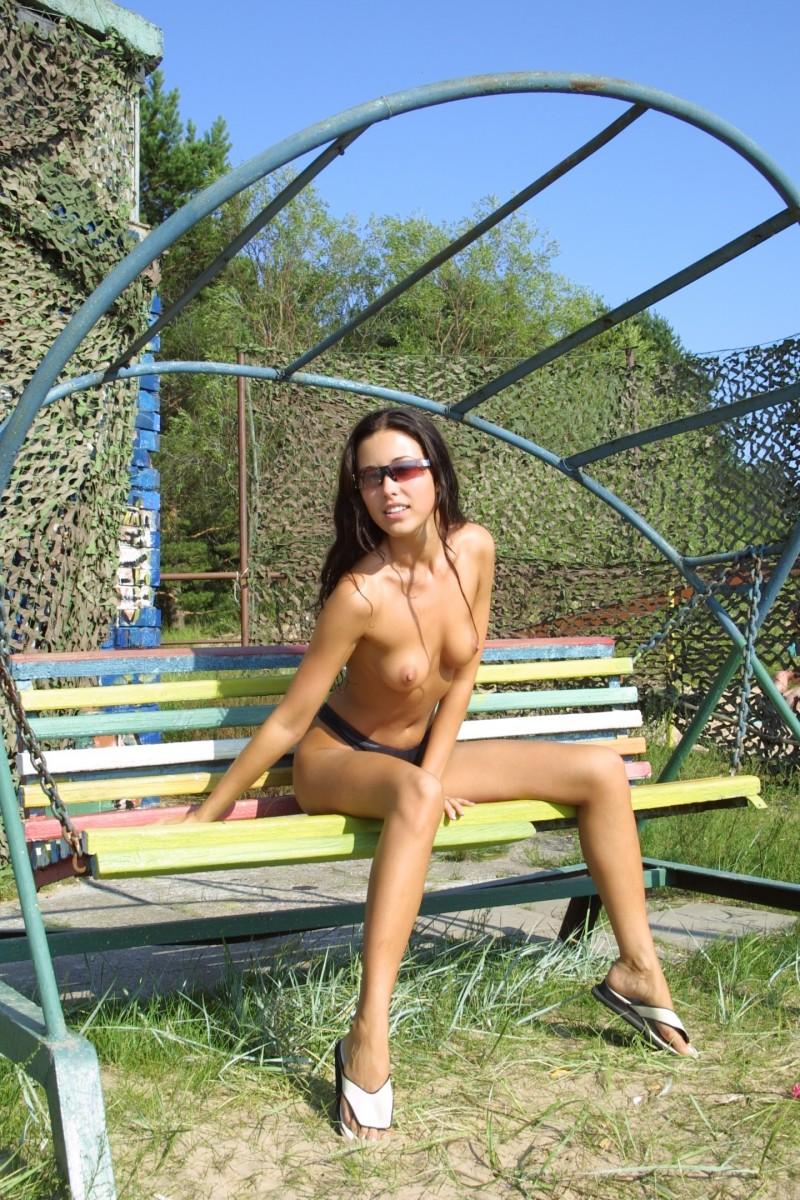 natasha-johnston-sunbathing-02