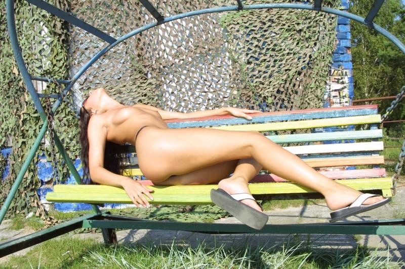 natasha-johnston-sunbathing-09