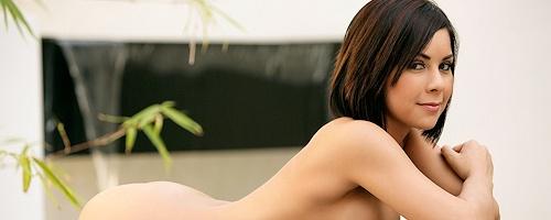 Natasha Taylor in bikini