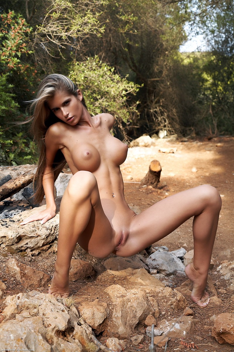 nessa-woods-errotica-archives-07