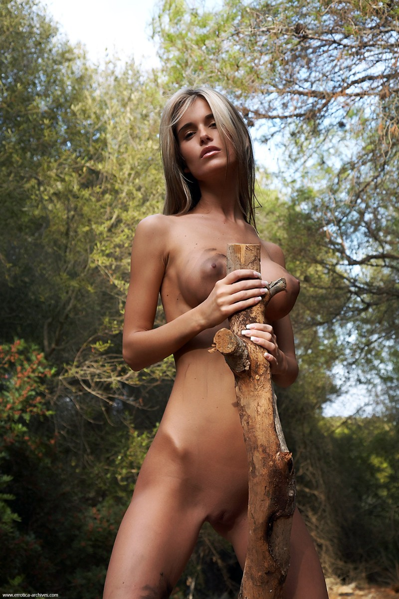 nessa-woods-errotica-archives-13