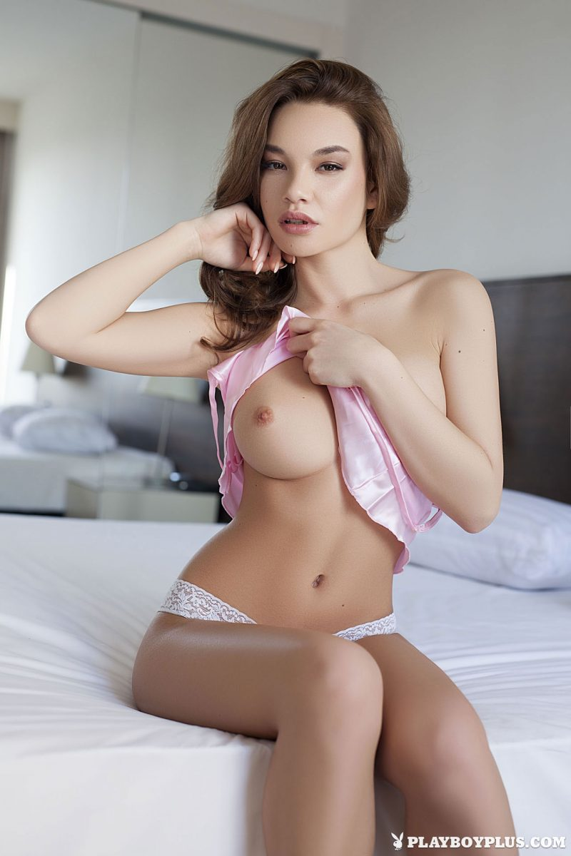 clara-bedroom-nude-nighty-playboy-07