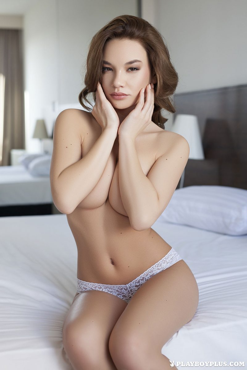 clara-bedroom-nude-nighty-playboy-08