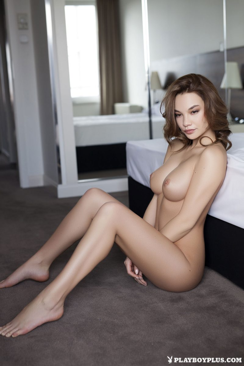 clara-bedroom-nude-nighty-playboy-17