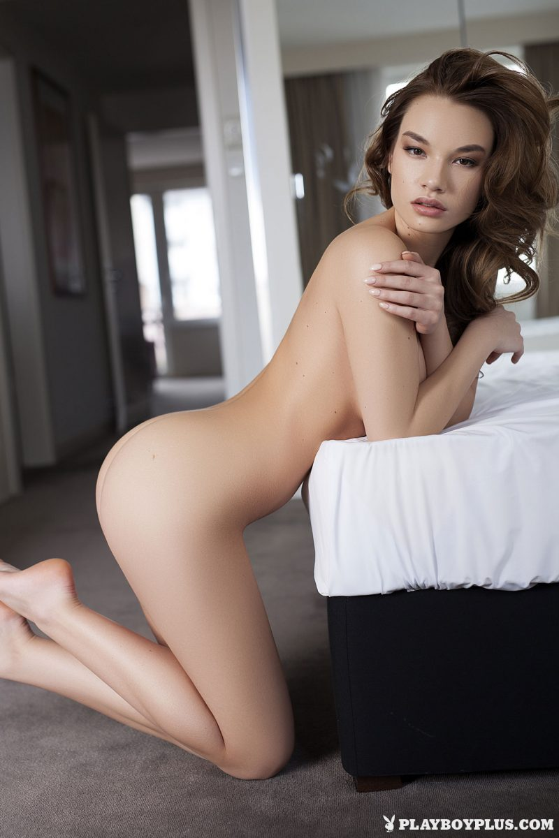 clara-bedroom-nude-nighty-playboy-19