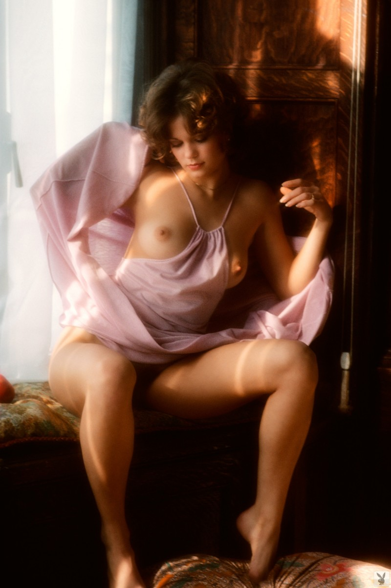 nicki-thomas-nude-vintage-1977-playboy-17