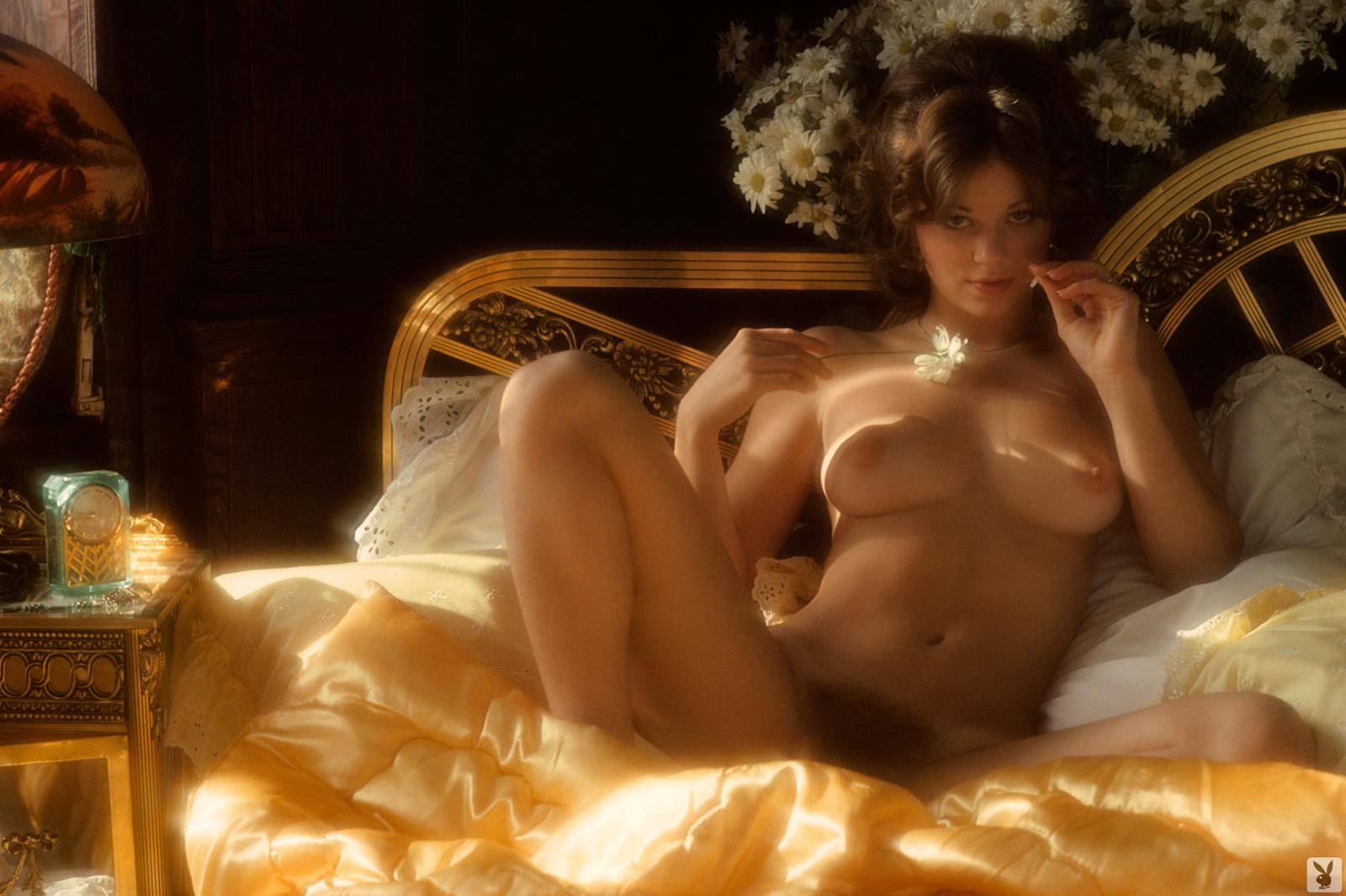thomas naked Nicki