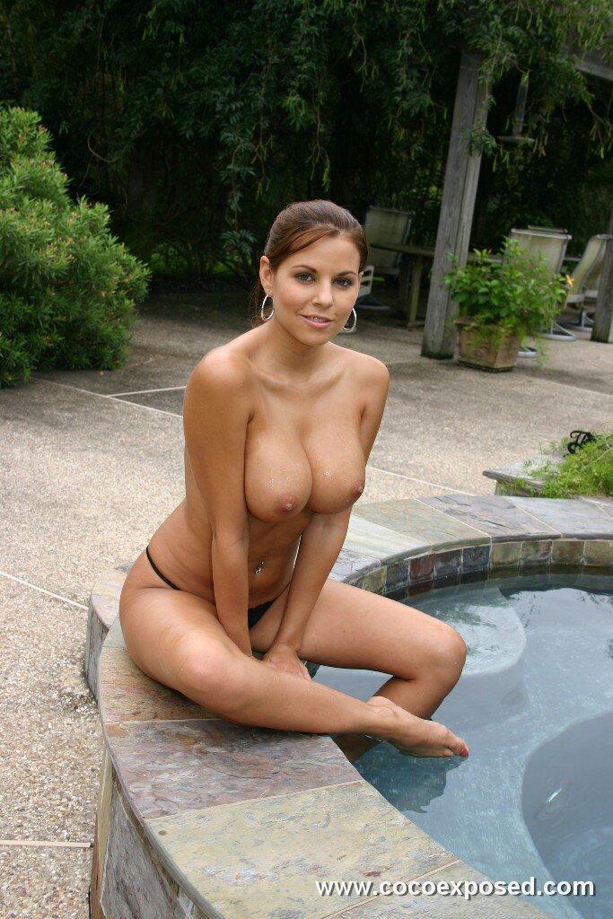 graves bikini Nicole pink