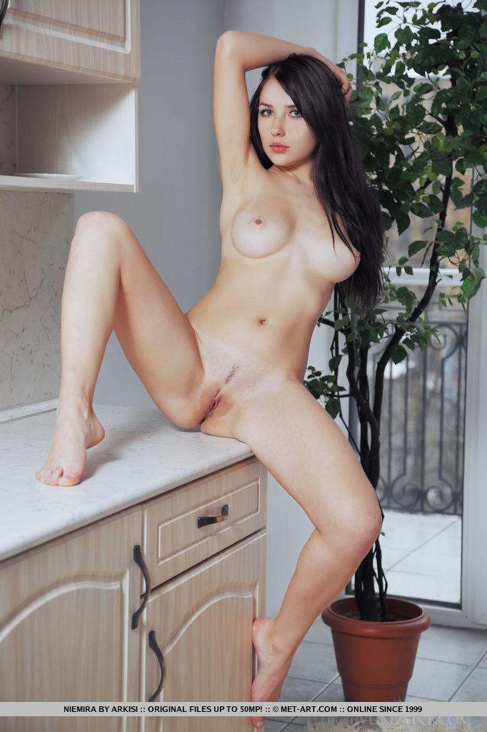 niemira-fur-rug-nude-floor-metart-13