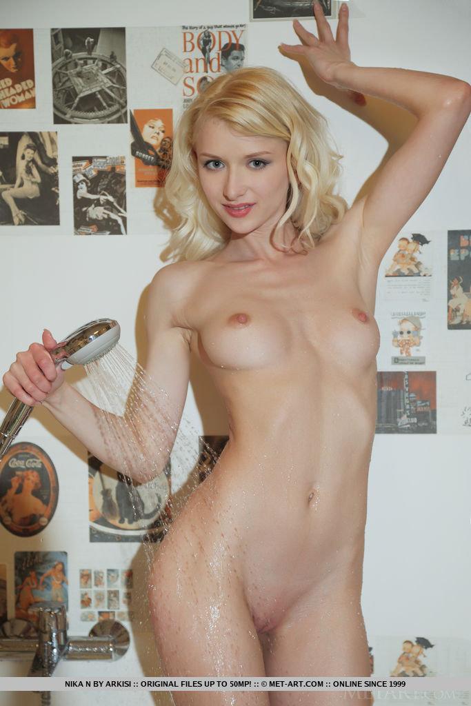 nika-n-blonde-nude-bathroom-metart-12