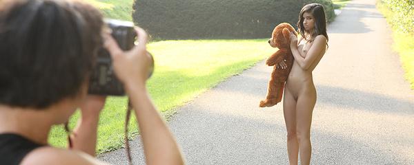 Nika – Walk with teddy bear
