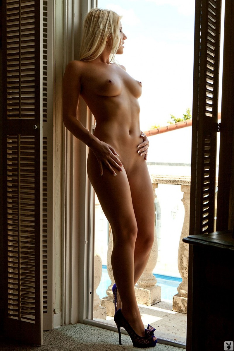 niki-lee-amateur-playboy-04