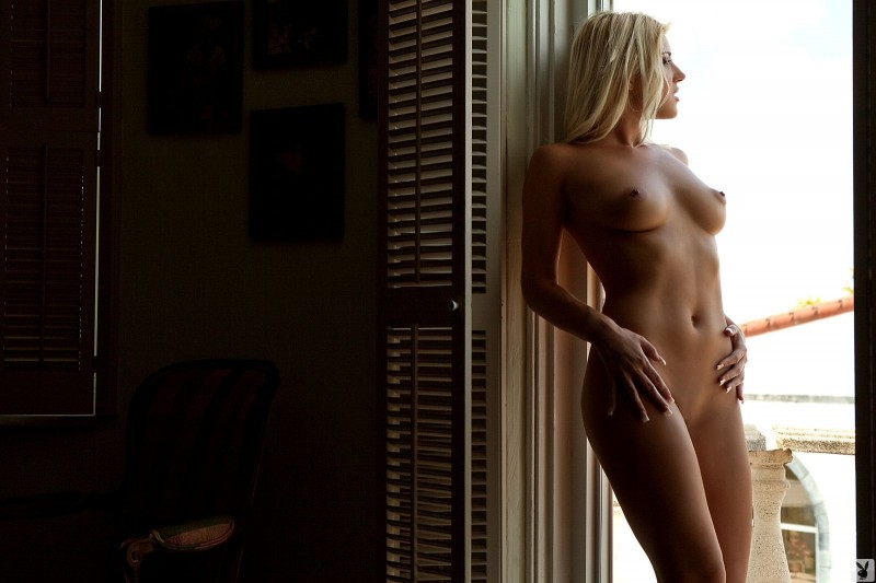 niki-lee-amateur-playboy-05