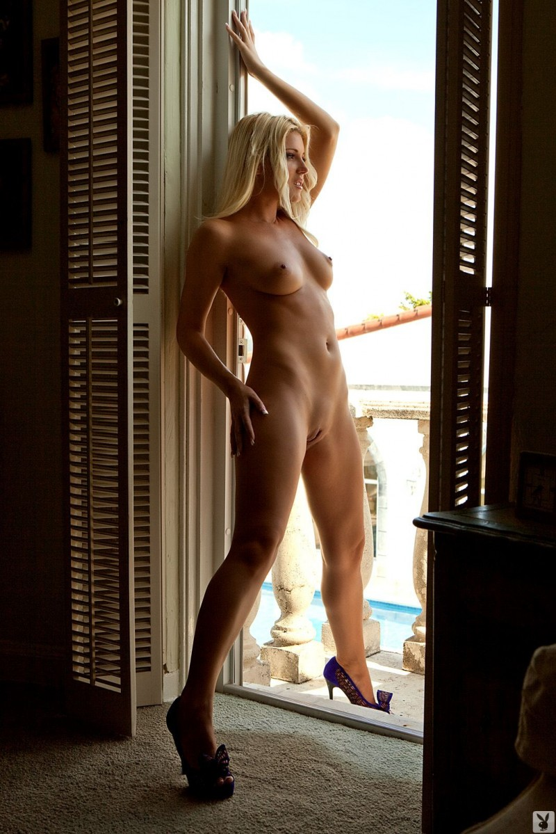 niki-lee-amateur-playboy-06
